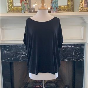 NWT blk Ellen Tracy top with gold zipper sleeve